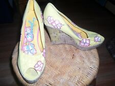Ed Hardy 8 Wedge Yellow Pink Hibiscus Peep Toe