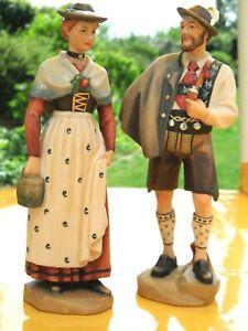 Holzfiguren Skulpturen Mann und Frau in Trachten