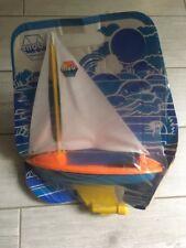 Ancien jouet bateau voilier Mob plastique neuf emballage années 80