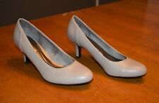 Womens LifeStride Taupe / Nude Pumps - Size 7.5