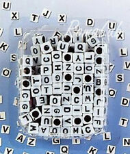 200 PERLE PERLINE DA 7 MM quadrate IN PLASTICA bianche lettere iniziali cuori