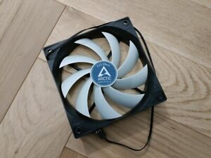 Arctic F12 Silent 120mm PC Case Cooling Fan 3 Pin 800RPM