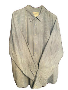 Wrangler Jeans Co. Men's Button Down Long Sleeved Shirt Size-X Large