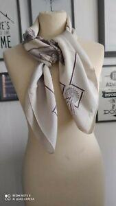 Carré en soie Hermès Vintage