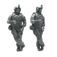 1/35 US army Tankman Smoking, Tank Crew resin scale model