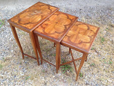 Anciennes petites tables gigognes de salon années 1950 design 20ème marqueterie
