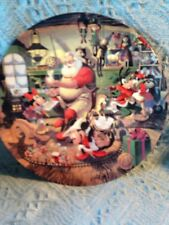NOS 1993 DISNEY'S SANTA'S WORKSHOP CHRISTMAS PLATE W/MICKEY/MINNIE/PLUTO/GOOFY