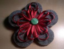 Selbstgemachte schöne Blumen Brosche aus Filtz, handgemachte, DIY