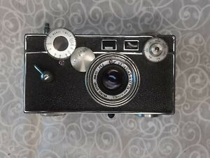 Argus C3 Range Finder 35mm camera with original protective carry case