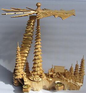 Pyramide 42cm groß komplett massiv geschnitzt Handarbeit Erzgebirge Schnitzerei