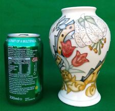 "6"" Moorcroft Vase-Golden Lily (Ivoire) Par Rachel Bishop."