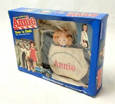 Vintage NIB 1982 Columbia Pictures Knickerbocker Annie Tote 'N Doll