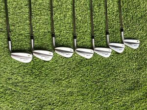 HONMA TR21X Iron Set, 4-P, Stiff Nippon 950 GH NEO, Midsize Grips