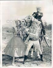 1959 Press Photo Roy Rogers Dale Evans George Gobel on Trigger Horse 1950s TV