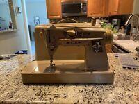 BCZZ Part 4011530 Viking Husqvarna Sewing Machine Bobbin Case Original Metal