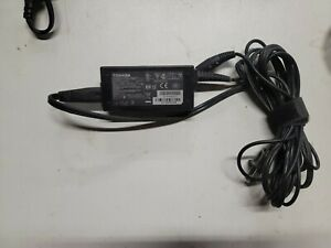 Genuine Original Toshiba 19V 2.37A 45W AC Adapter PA3822U-1ACA