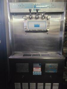 Taylor COMMERCIAL SOFT SERVE ICE CREAM MACHINE 2 hopper