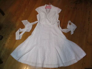 white broderie anglais cotton dress 1950s style NWOT sample  dress faux wrap