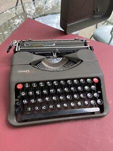 Vintage Hermes Baby typewriter made in UK