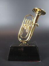 Tuba Souvenir Modello In Metallo Musica Strumento con Legno Presa,9,5 cm,NUOVO