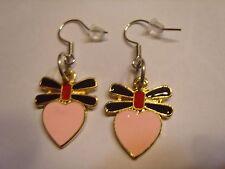 Ohrring mit rosa Herz und schwarz rote Schleife aus Email 3341