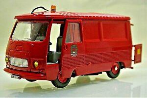 MINT Reproduction Dinky 570P FFourgon Peugeot J7 Pompiers Version by Atlas