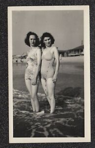 LQQK vintage 1940s original, A SWELL PAIR OF OLD SCHOOL BEACH BABES #52