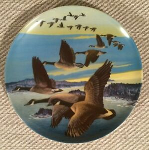 """Dominion China Ltd Collectors Plate """"Southward Bound"""" by Donald Pentz 1987"""