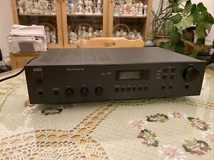 NAD 712  Integrated Stereo AM/FM Receiver