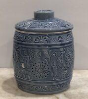 Beautiful Embossed Porcelain Ceramic Blue Ginger Jar Vase With Lid Glazed