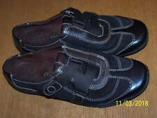 DR. SCHOLL'S DARK BROWN LEATHER MESH SIZE 8M HOOK&LOOP STRAP FLATS