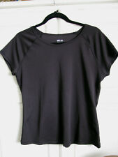 Cascade Sport Performance Activewear Top in Black size L