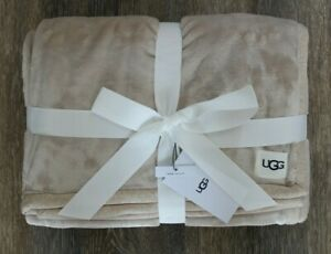 New with Tags UGG Home Duffield Throw Blanket Oatmeal Heather Beige