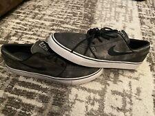 2010 Nike Stefan Janoski SB US size 10 375361-102 DISTRESSED BLACK Skate Shoes