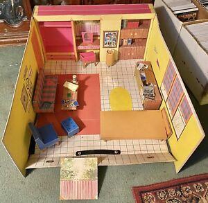 Vintage 1962 BARBIE DREAM HOUSE Mattel Near Complete Nice Condition