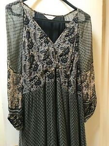 Pepperberry, Boho dress paisley pattern size 18, good condition.