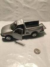 1:26 Scale 1997 Ford F150 Metal Model By Maisto Truck Silver