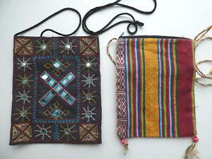 2 petites pochettes colorées Etam et made in Nepal pour femme