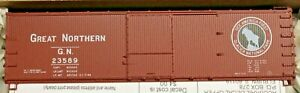 HO Scale - ACCURAIL 46045 GREAT NORTHERN 40' Double Sheath Wood Boxcars - KIT