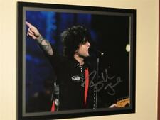 """GREEN DAY - """"BILLIE JOE ARMSTRONG"""" - SIGNED 8"""" X 10"""" PHOTO - FRAME NOT INCLUDED"""
