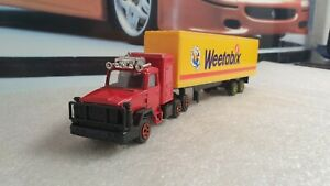CORGI TOYS - SCAMMELL CURTAINSIDE - WEETABIX - 1/64 SCALE MODEL - UNBOXED