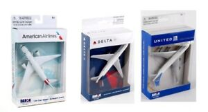Daron American Airlines,Delta & United Airlines B747 Die-cast Toy Planes -3 Pack