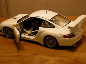 Porsche 911 GT3R by Autoart #77821 - 1/18 Retired