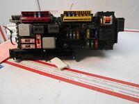 2010-2012 MERCEDES FUSE BOX REPLAY 2049001402 Ri0405