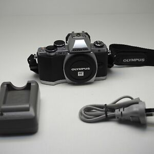 Olympus OM-D EM-10 - Silver - Beautiful  Condition  - Low Shutter 1021