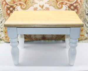 FULLY ASSEMBLED CHILD'S KID'S WHITE AND PINE WOOD ONE STEP PORTABLE STOOL