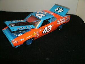 #43 RICHARD PETTY 1972 STP CHAMPIONSHIP PLYMOUTH RACE CAR 1/24 VERY RARE CUSTOM