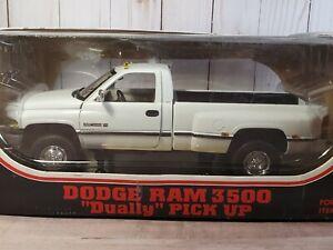 JRL Dodge Ram 3500 Dually V-10 Pickup Truck 1:18 Scale Diecast White 1997 Anson