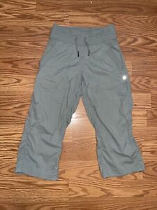 Lululemon Women Activewear Drawstring Capris Size Extra Small Green VERY CLEAN
