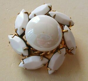 JULIANA   MARQUISE  CUT GLASS & CABOCHON  BROOCH GOLD PLATED